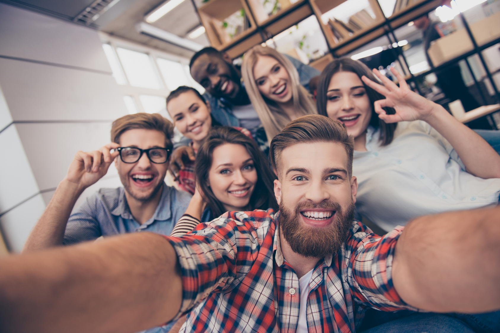 Selfie von jungen Menschen