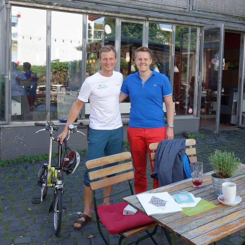 Simon Schnetzer Jugendforscher Studie JD16 Hannover mit Teilnehmer ©simonschnetzer