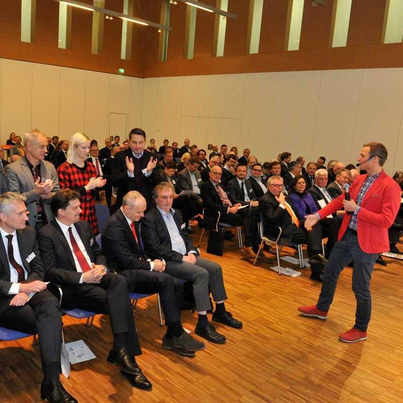 Forum Zukunft Schwaben - Vortrag Simon Schnetzer Speaker