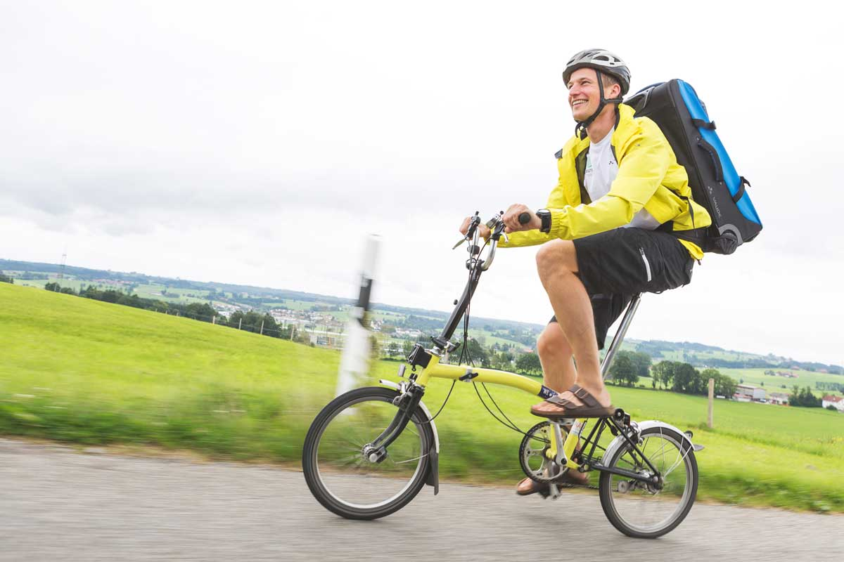Simon Schntzer Jugendforscher mit Farhrad unterwegs ©phillipherzhoff