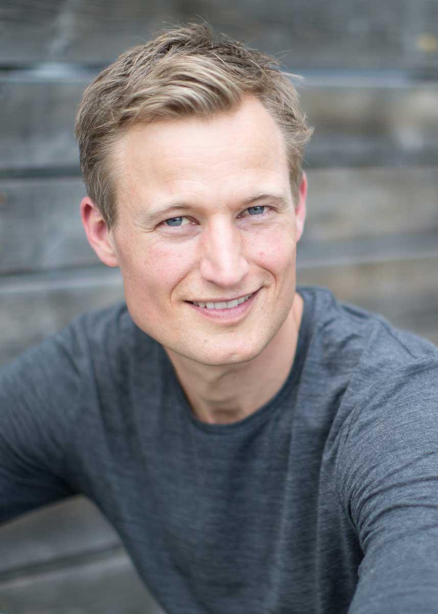 Simon Schnetzer Portrait close up ©piomars
