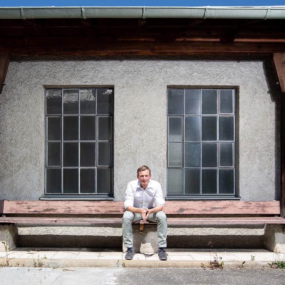 Simon Schnetzer Portrait Totale quer ©piomars