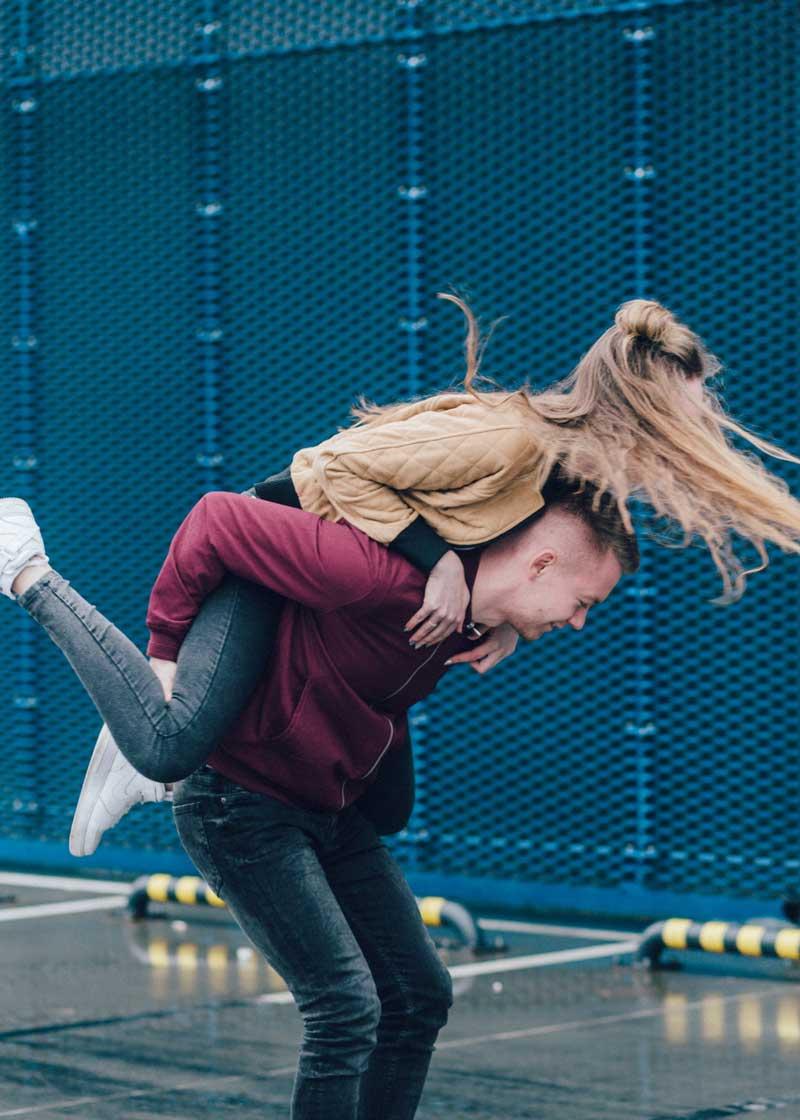 Junges Paar - erwachsen werden Gen Z - freestocks/Unsplash