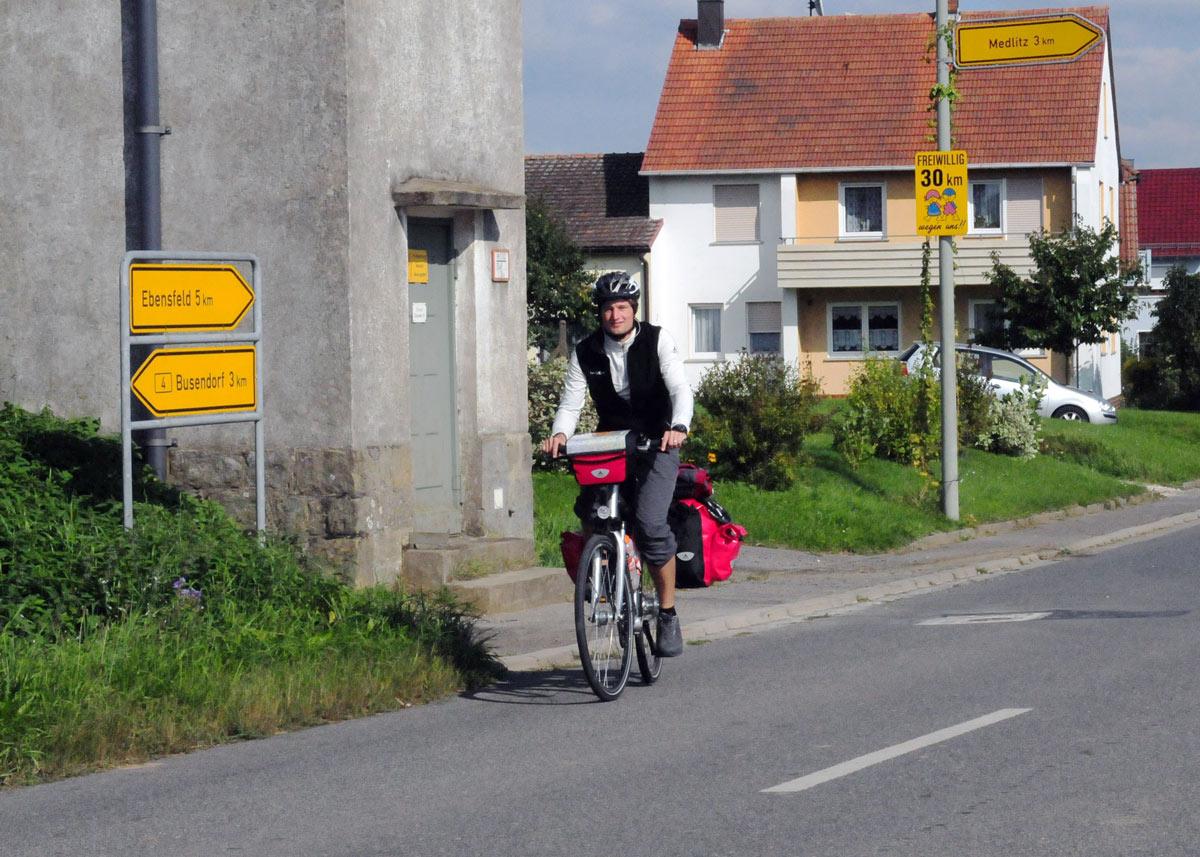 Simon Schnetzer - Studientour 2010 - Studie Junge Deutsche